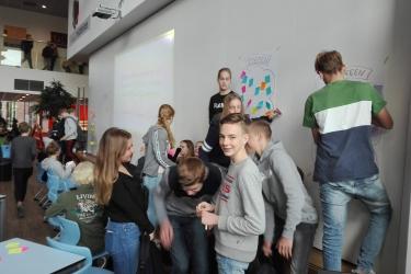 Creatieve sessies op scholen over openbaar vervoer